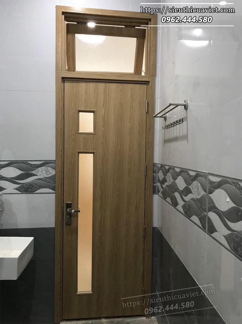 Mẫu cửa gỗ phòng vệ sinh