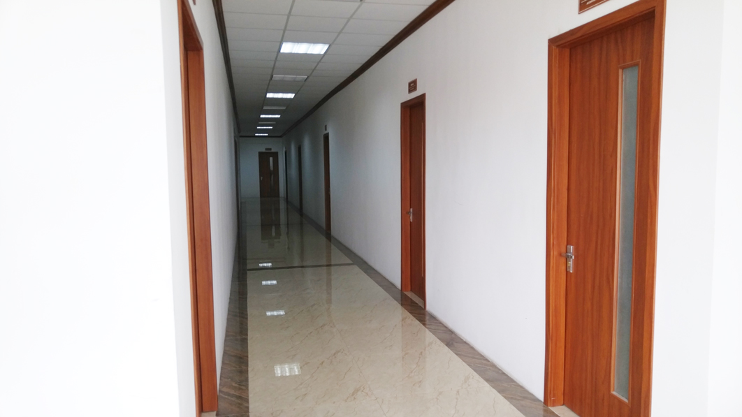 cửa gỗ công nghiệp văn phòng đẹp