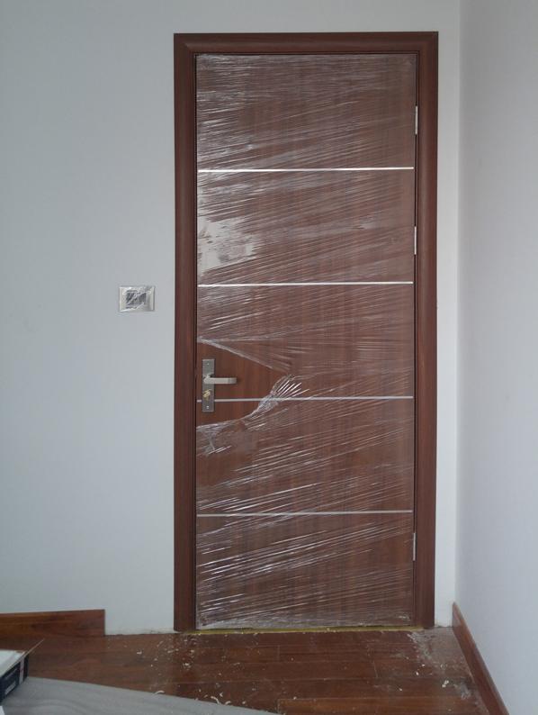 cửa gỗ thông phòng hiện đại