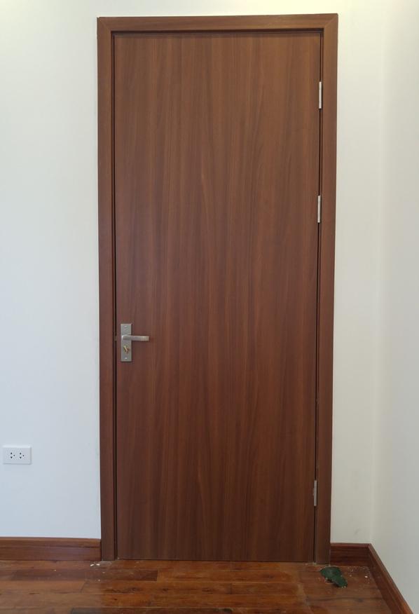 cửa gỗ phẳng đơn giản