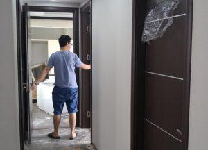 Lắp đặt cửa gỗ ở Hà Nội