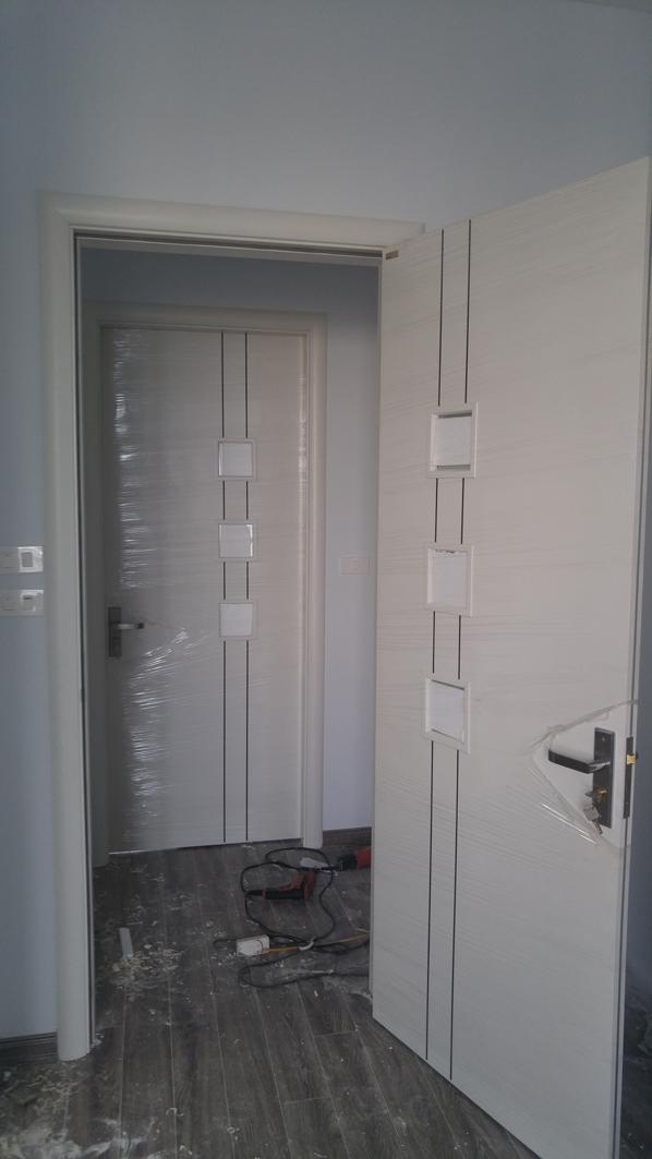 Mẫu cửa gỗ đẹp hiện đại cho phòng ngủ