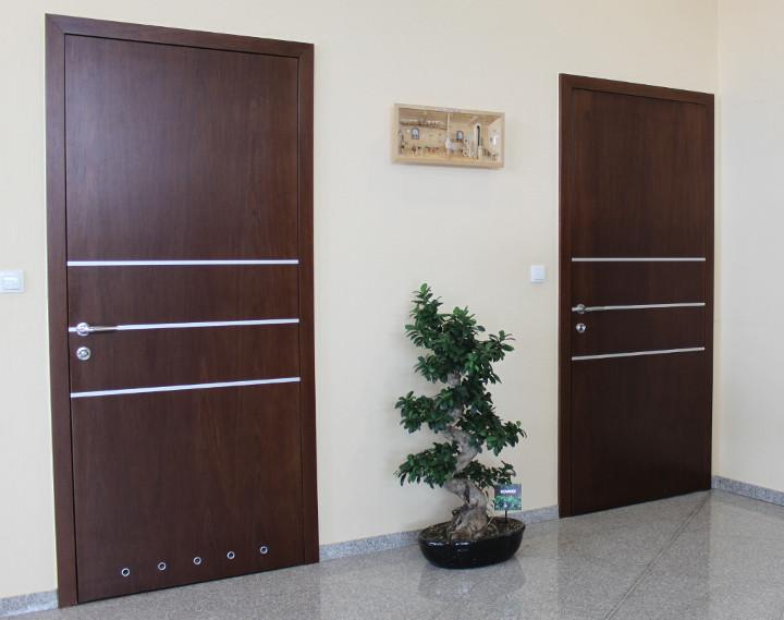 mẫu cửa gỗ công nghiệp hiện đại