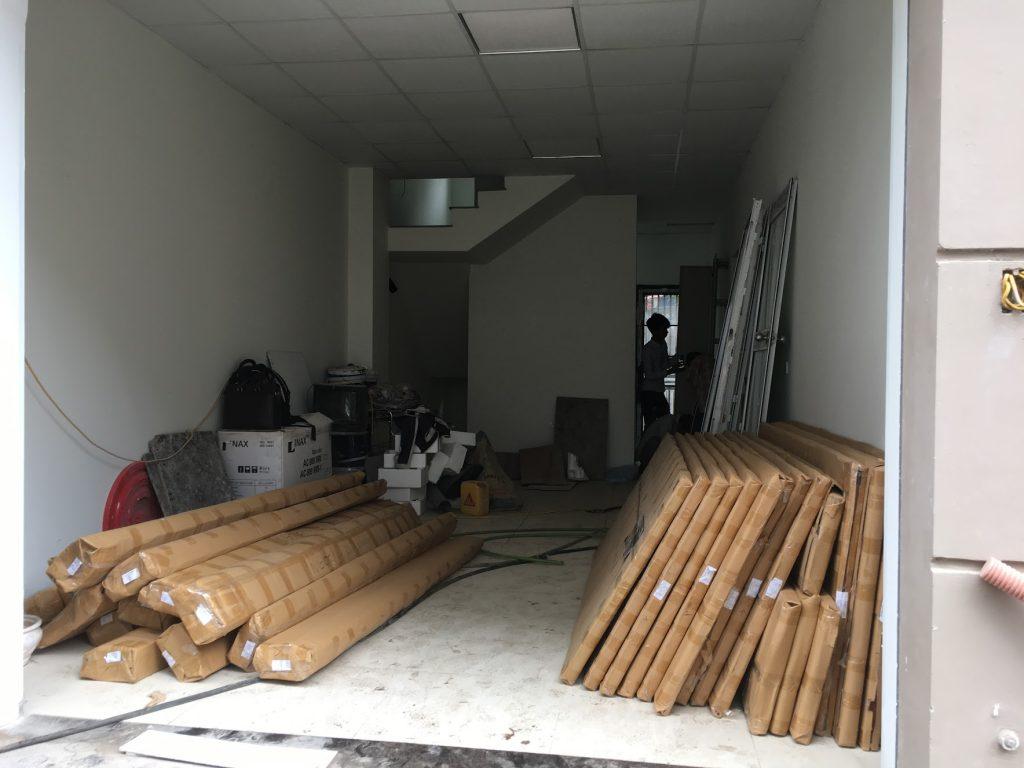 Cửa gỗ huge vận chuyển lắp đặt miễn phí