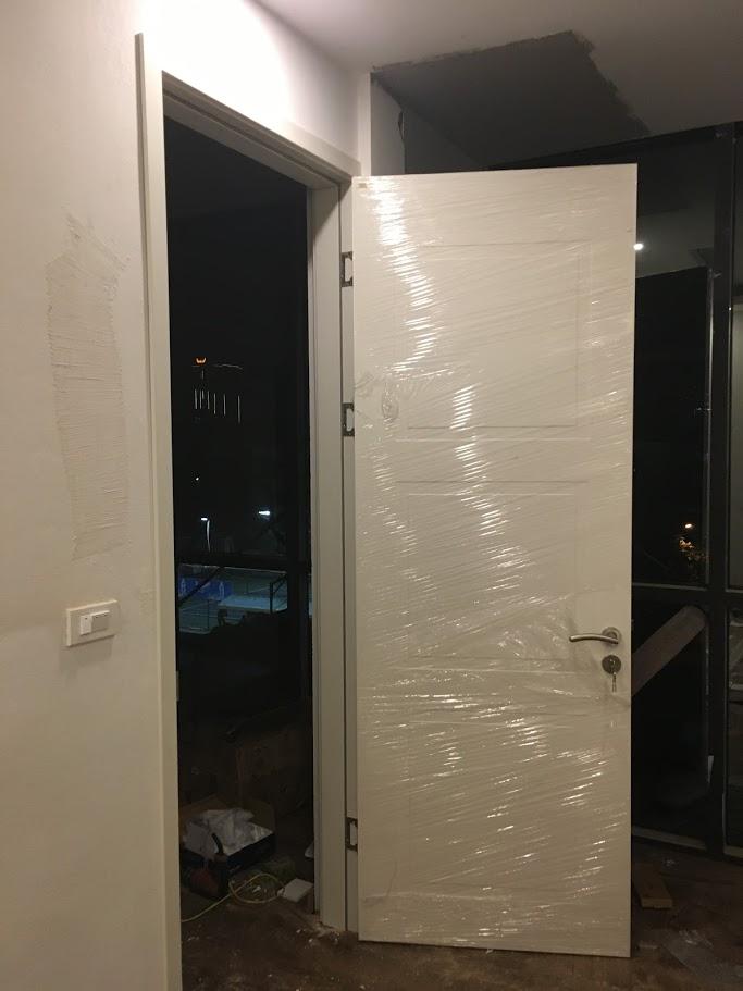 thi công lắp đặt cửa gỗ Huge tại Hà Nội