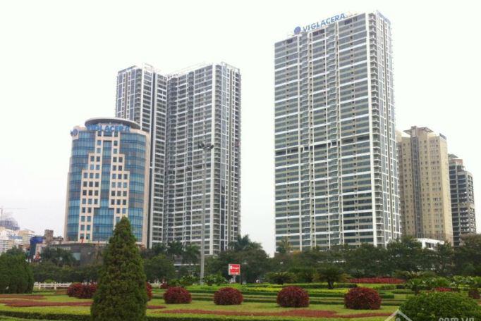 Cửa gỗ công nghiệp lắp đặt tại chung cư cao cấp Thăng Long