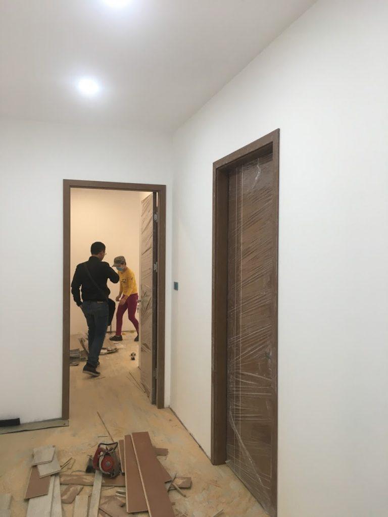 cửa gỗ thông phòng và cửa nhà vệ sinh