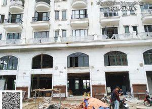Công trình cửa gỗ HUGE 190 Sài đồng