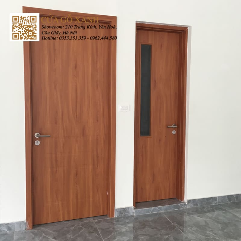 Mẫu cửa vệ sinh ô kính ngắn