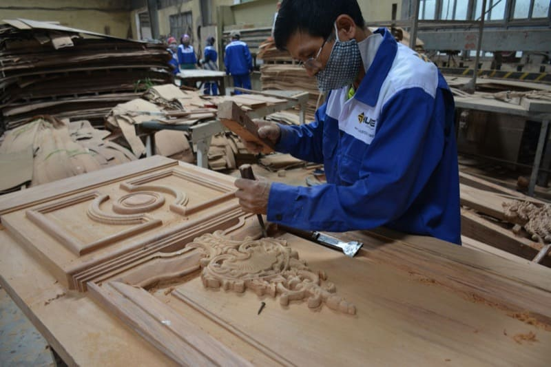 Thợ gỗ tự nhiên của cửa gỗ Austdoor