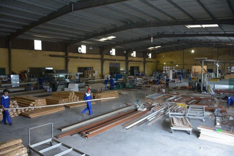 Nhà xưởng cửa gỗ Austdoor