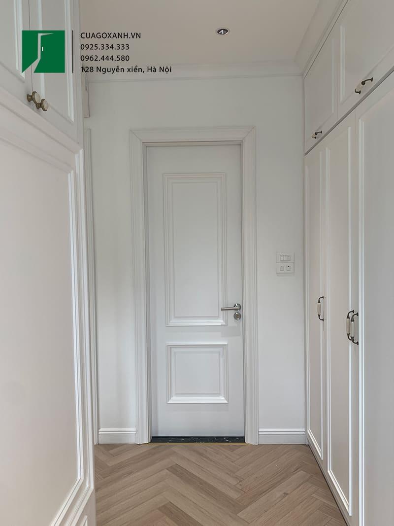 Mẫu cửa vệ sinh tân cổ điển sơn trắng