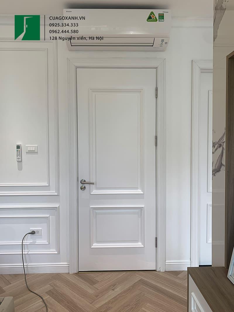 Cửa gỗ phào nổi sơn trắng